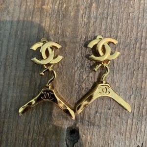 Vintage Chanel Gold Hanger Clip Earrings